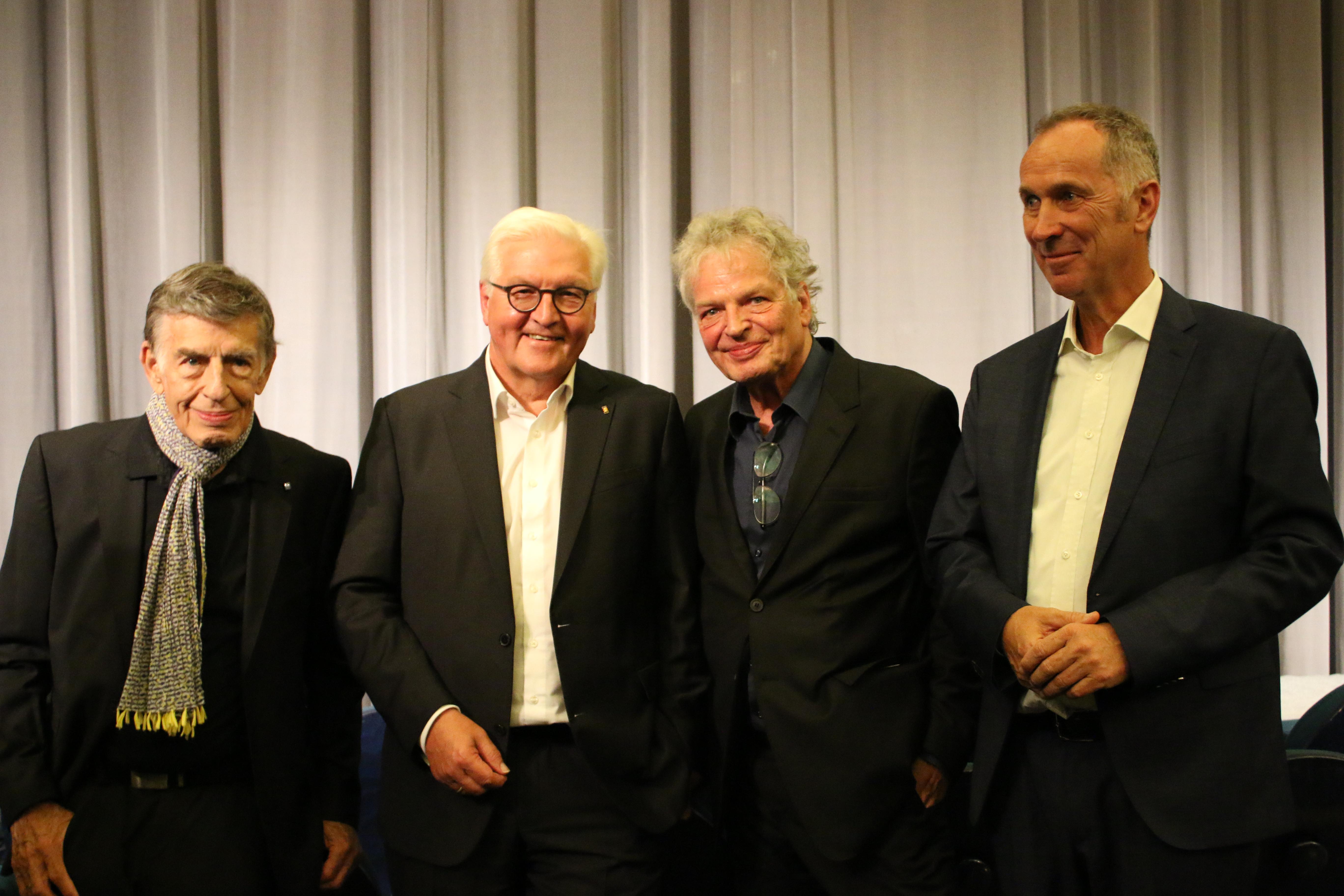 Gruppenfoto mit Steinmeier